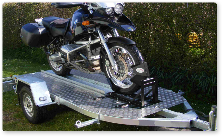 Easy transportation with a trailer mounted bumpstop